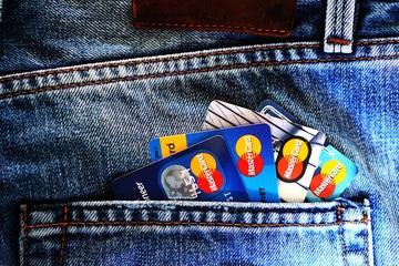 Jaké výhody a bonusy nabízejí banky ke studentským účtům