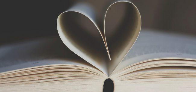 Zahajuje druhý ročník sbírky Srdce za knihy